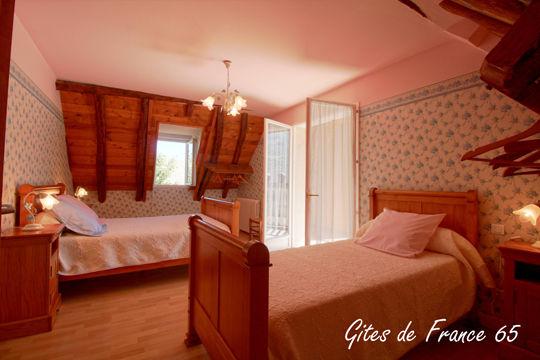 chambre4-sarthe-pierrefittenestalas-HautesPyrenees