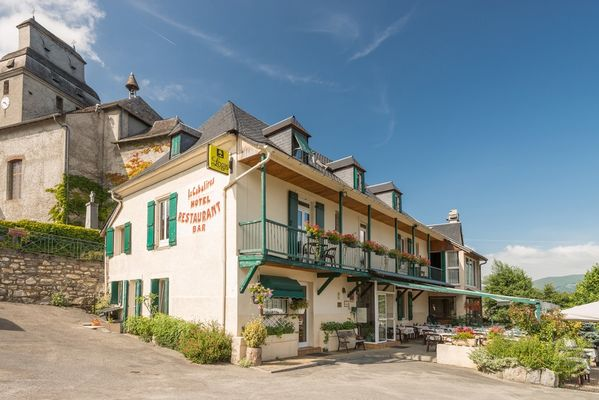 facade-cabaliros-arcizansavant-HautesPyrenees