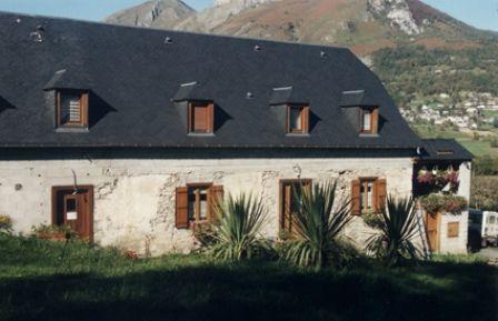 facade-chambred'hotefermeantaya-arcizansavant-HautesPyrenees.jpg