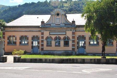 facade-bibliotheque-argelesgazost-HautesPyrenees