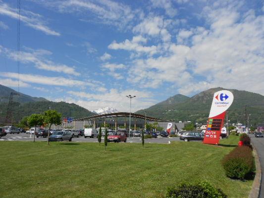 parking3carrefourmarket-argelesgazost-HautesPyrenees.jpg