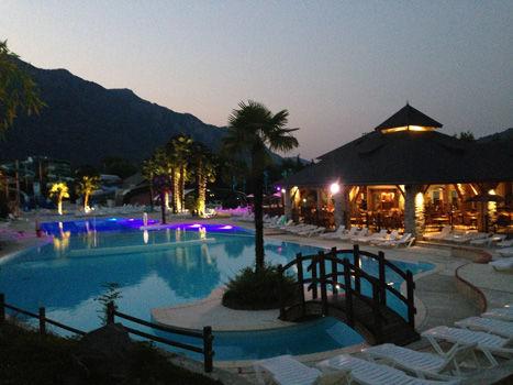 piscinenocturne-3vallees-argelesgazost-HautesPyrenees