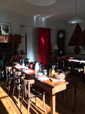 salleamanger2-maisoncamelat-arrensmarsous-HautesPyrenees