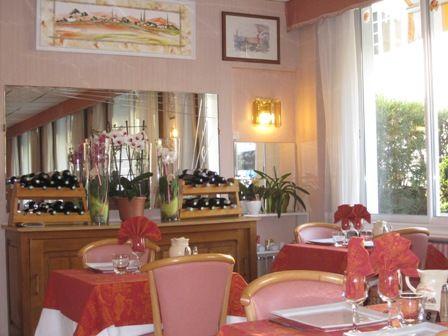 sallederestaurant-hotelrestaurantsoleillevant-argelesgazost-HautesPyrenees.jpg