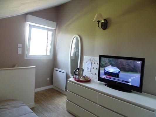 TV 80 cm, TNT, Chromecast 3