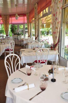 Grand Hôtel Mayenne - Salle de restaurant