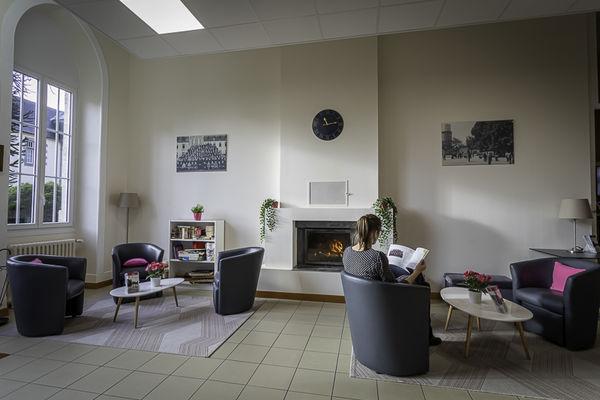 Salon et hall d'accueil