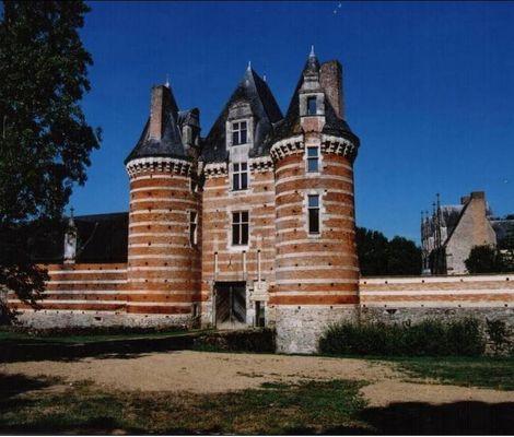 PCU-chateau-de-mortiercrolles (1)