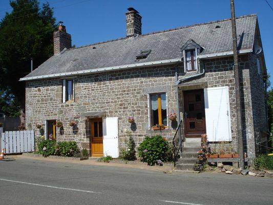 gite-la-maison-fleurie-saint-mars-sur-colmont-53300