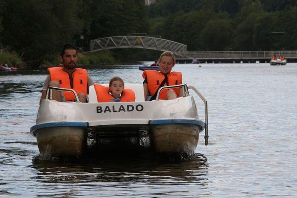 pédal-eau-camping-le-parc-de-vaux-ambrieres-les-vallees-53-asc-1