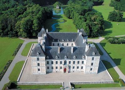 Château d'Ancy le Franc, façde N et parterre Sud