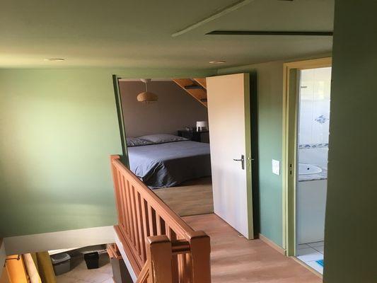8-Palier-acces-aux-chambres-et-salle-d-eau---Mme-Artman