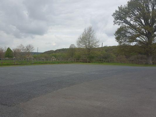 Aire-L'Oudon-Amélia-Le-Magnen Vue du parking