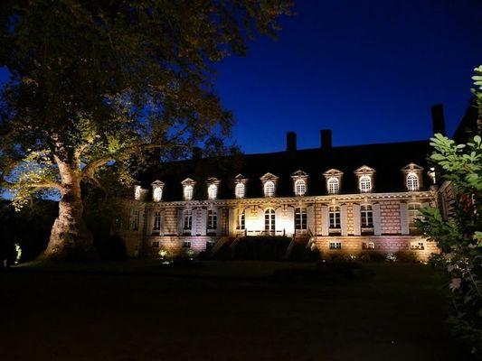 Vue de nuit. Château Le Kinnor