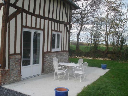 Chez Hubert Verhaest à Moyaux Salon de jardin