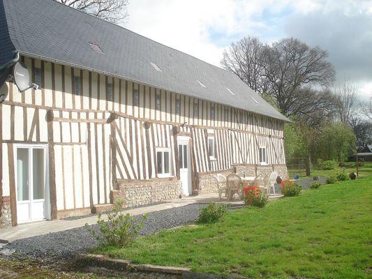 Chez Hubert Verhaest à Moyaux Terrasse Sud
