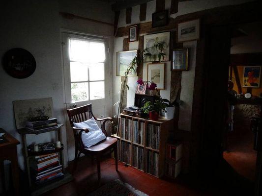 Delphine Zangs Chambre d'hôtes à Glos prés de Lisieux vue salon