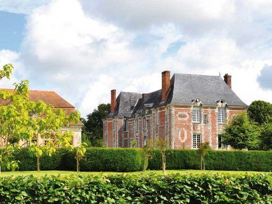 Ferme du Château Gite au Pin Chez Rebecca Whitehead chateau