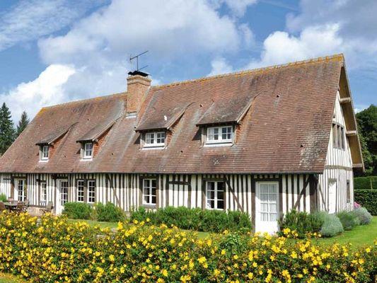 Ferme du Château Gite au Pin Chez Rebecca Whitehead vue maison