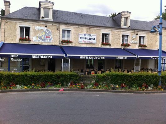 Hôtel de la Gare à Mézidon-Canon Façade