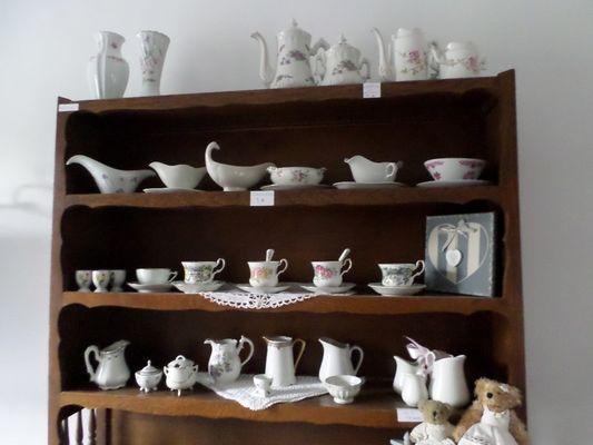 L'Atelier de Patricia à Saint-Germain-de-Livet buffet vaisselle