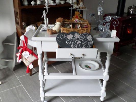L'Atelier de Patricia à Saint-Germain-de-Livet petit meuble