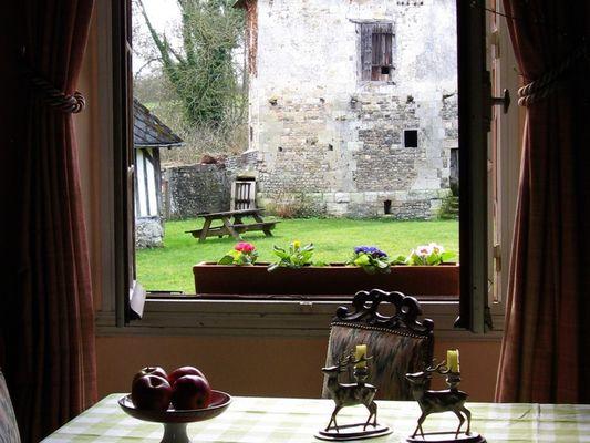 La Ferme du Chateau - gite - Philippe Gurrey - Fauguernon (vue)