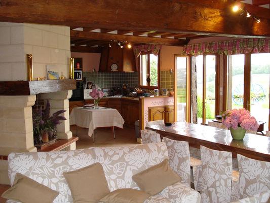Location à Lessard et le Chêne, séjour-salon
