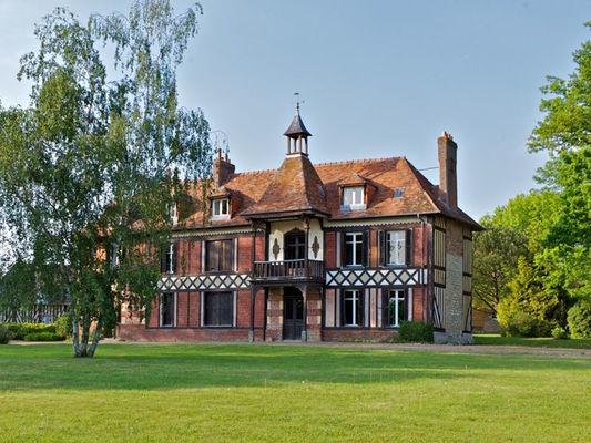Le Manoir des Lords au Mesnil Durand, le Jardinier, vue du Manoir