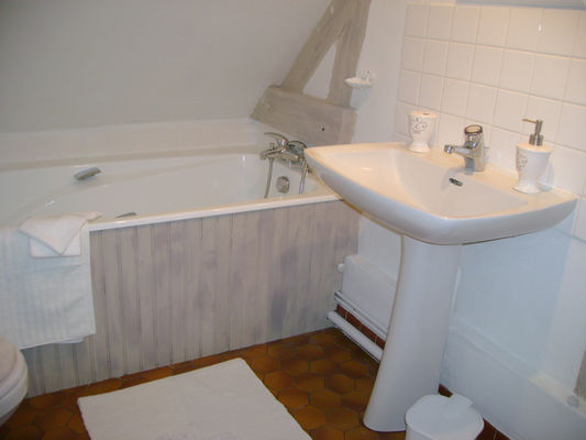Le Petit Four à Saint Désir, salle de bain