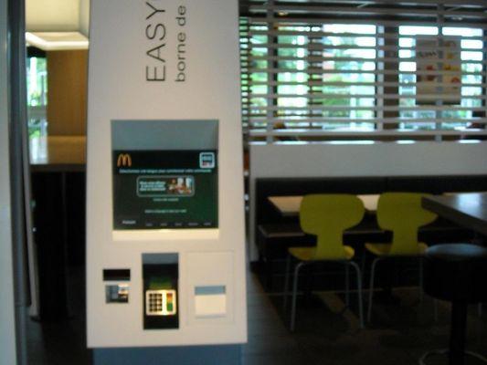 Restaurant-McDonalds-Lisieux (borne)