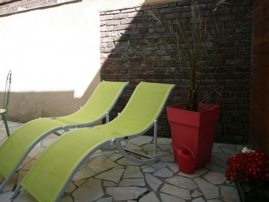 Terrasse-et-bain-de-soleil