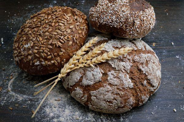 bread-photo-1509440159596-0249088772ff