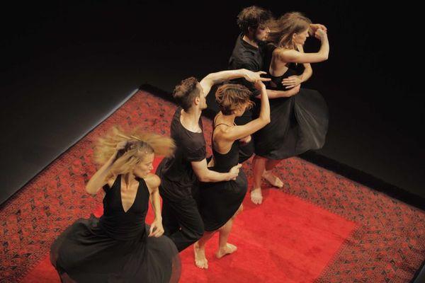 sacre - emanuel gat dance