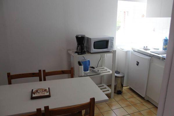 appartement 4 personnes à ax les thermes - coin cuisine