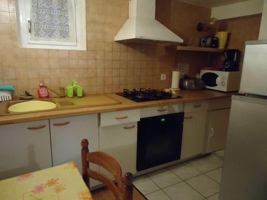 appartement 2 personnes à ax les thermes - coin cuisine