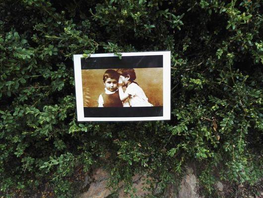 Chasse aux boîtes à secrets visite guidée Noémie De Bono