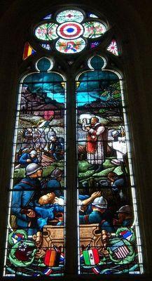 Vitrail Première Guerre Mondiale église Saint Jean de Villenouvelle