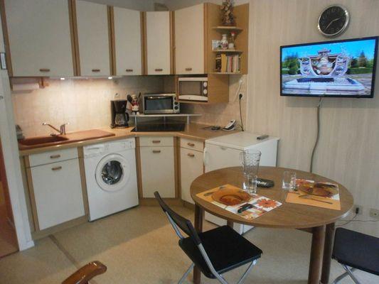 studio 2 personnes à ax les thermes - coin cuisine