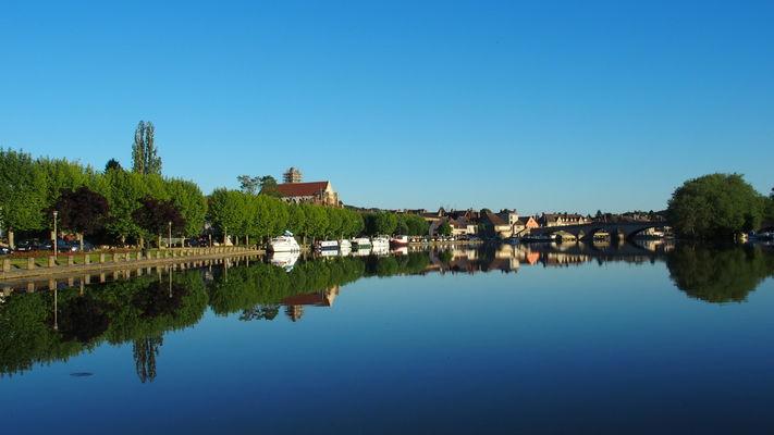 Les quais de Villeneuve-sur-Yonne