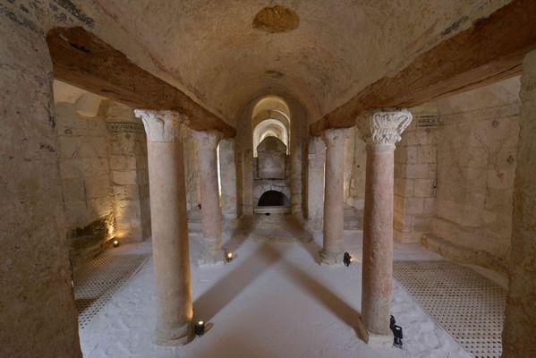 La Confession. IXè siècle Crypte Abbaye Saint-Germain