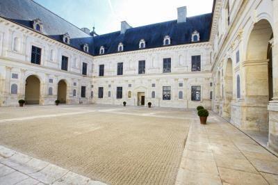 Cour d'honneur, Château d'Ancy le Franc