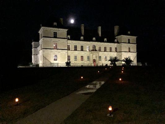 Château d'Ancy le Franc de nuit