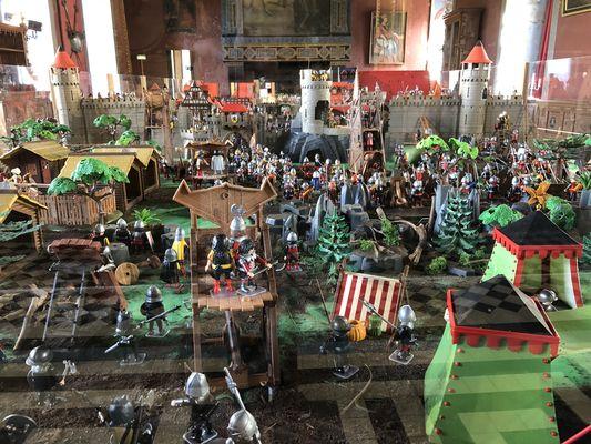 PH-d-archive-Exposition-Playmobil-au-Chateau-d-Ancy-le-Franc-2018-salle-des-gardes