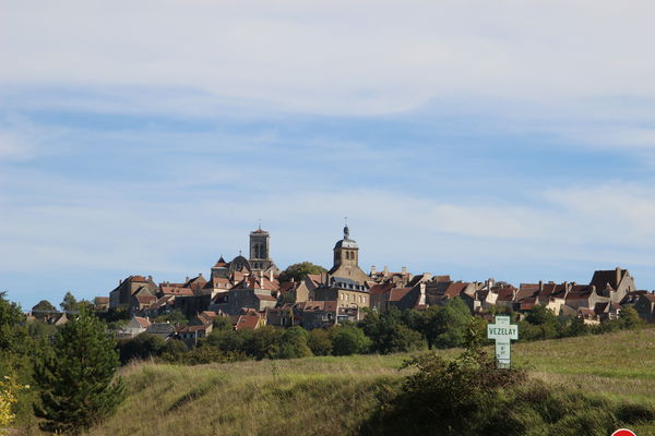 Vezelay-wine-tour-Burgundy