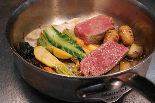 Boeuf Charolais du Pays Beaunois / viande de ferme / légumes bio de la région