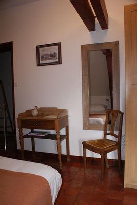 détail chambre 1er étage - Manoir Bonpassage