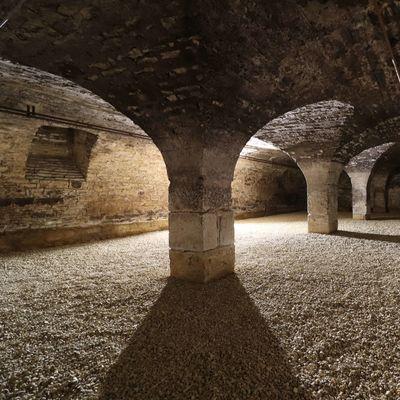 La cave du 14ème siècle de Sensation Vin