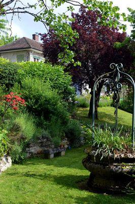 Puits dans le jardin