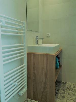 vasque et sèche-serviette